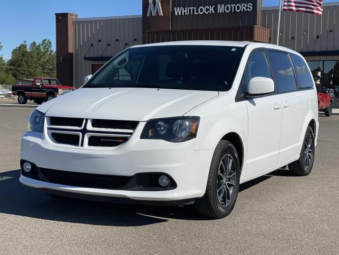 2019 White Knuckle Clearcoat /black Dodge Grand Caravan GT (2C4RDGEG5KR) with an 3.6L 6-Cylinder SMPI DOHC engine, Automatic transmission, located at 2825 Big Horn Ave, Cody, WY, 82414, (307) 587-5776, 44.533447, -109.034790 - Photo #0